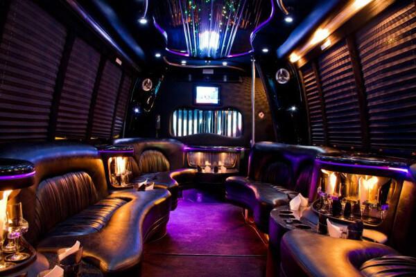 15 person party bus rental Tuscaloosa