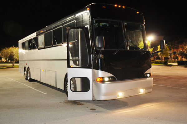 40 passenger party bus Tuscaloosa